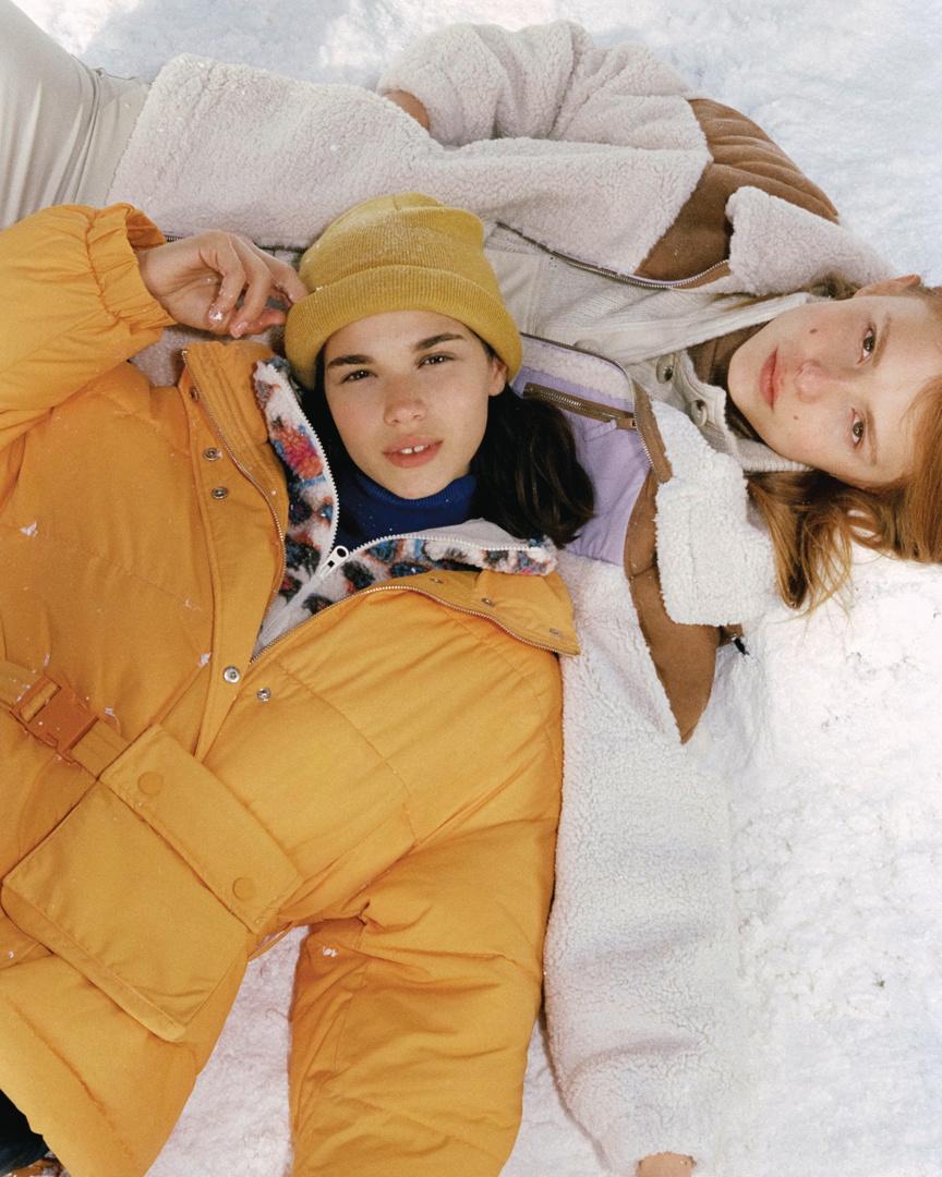 synthetic sheepskin jacket color block contrasting de Pull and Bear sur pullandbear