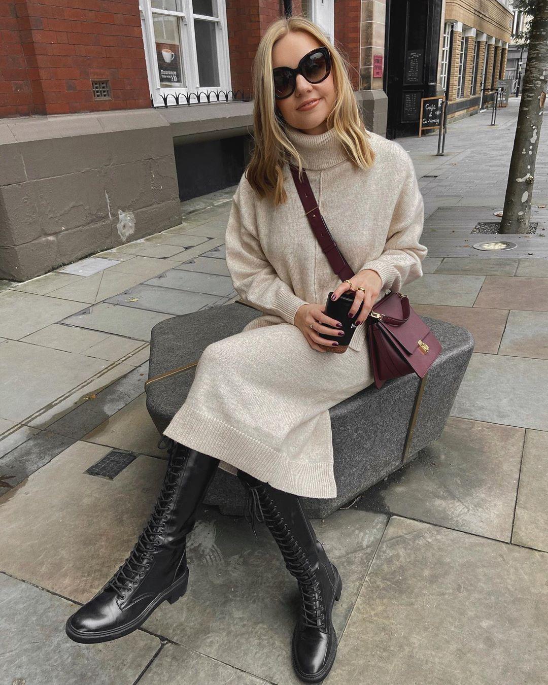 lace-up flat boots de Zara sur lydiajanetomlinson