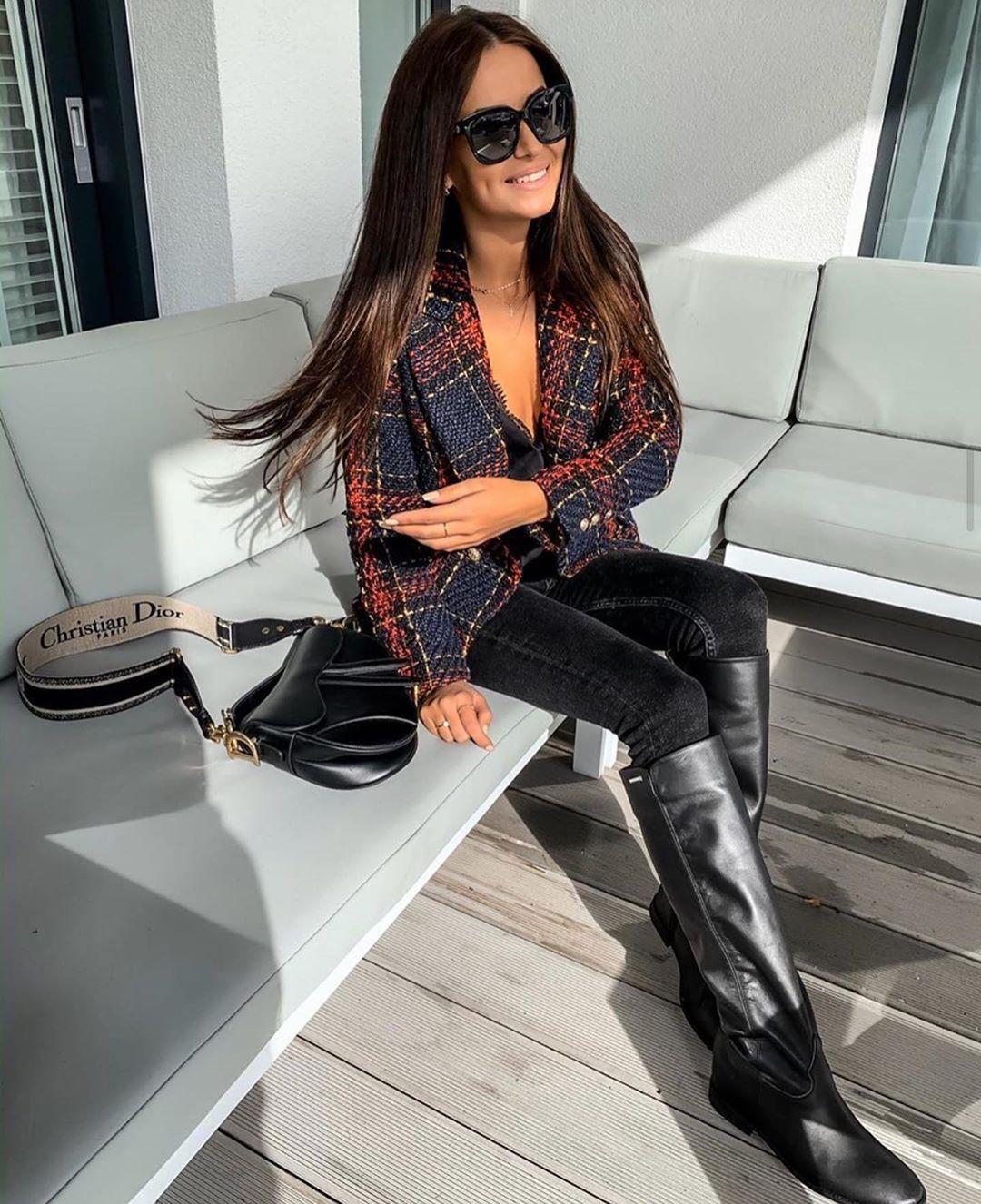 veste à boutonnage croisé à carreaux de Zara sur zara_streets