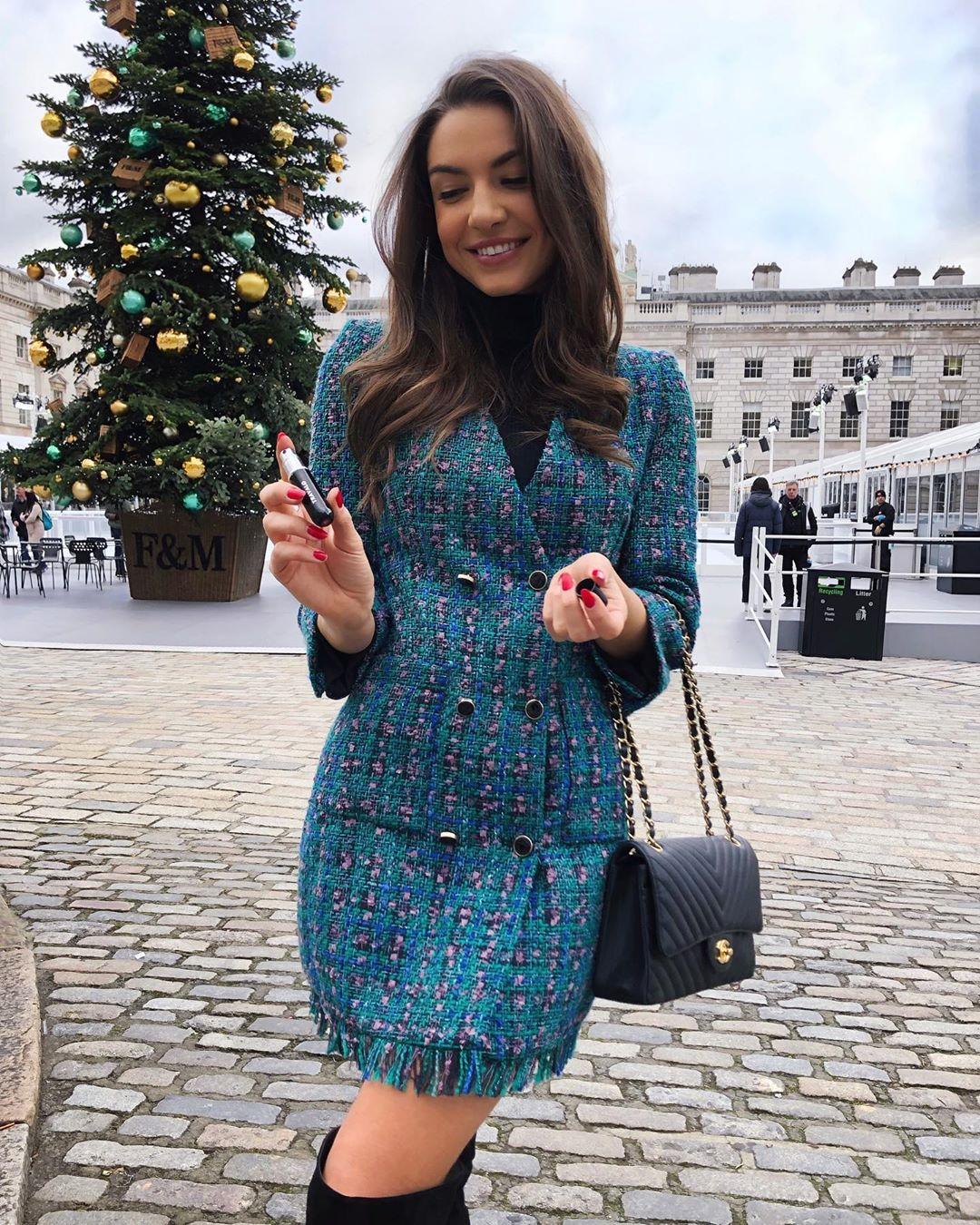 veste robe à boutons de Zara sur sophielouisesdiary