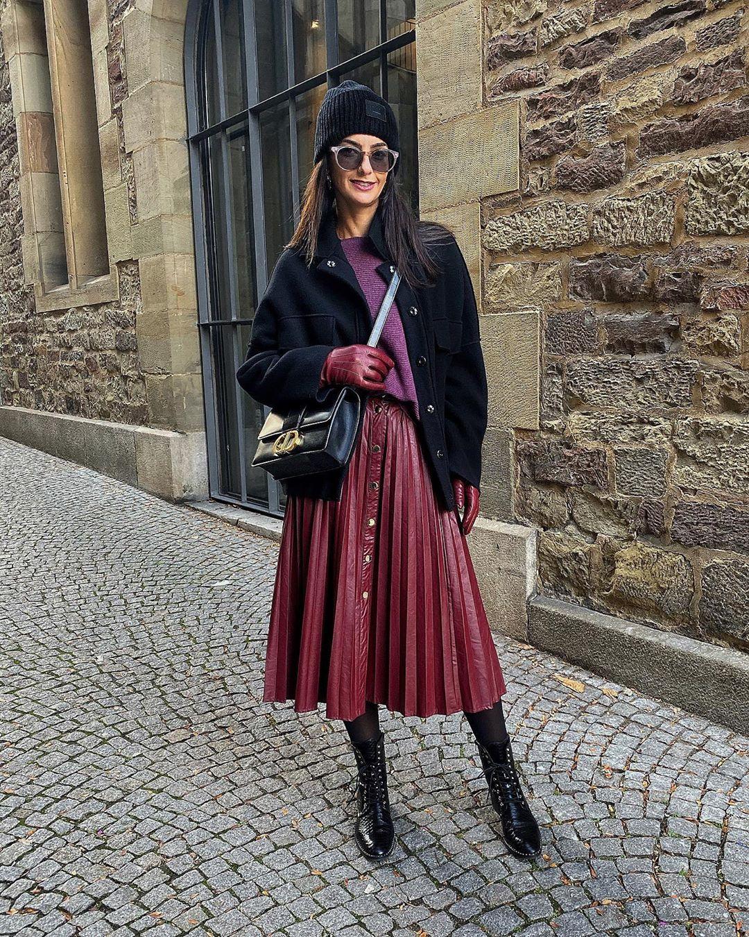 pleated skirt with buttons de Zara sur missmondo