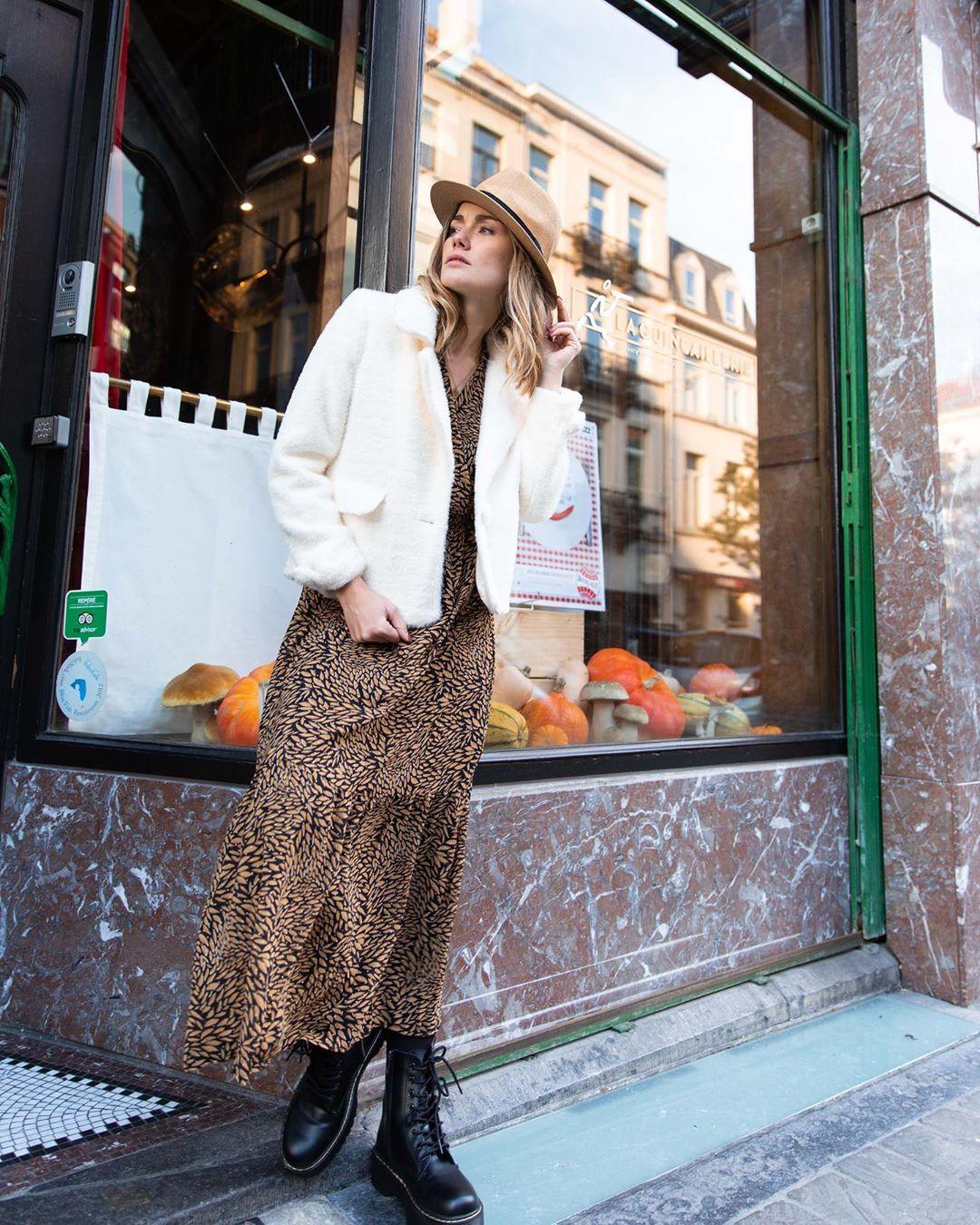 longue robe imprimé camel de Les Bourgeoises sur lesbourgeoisesofficiel