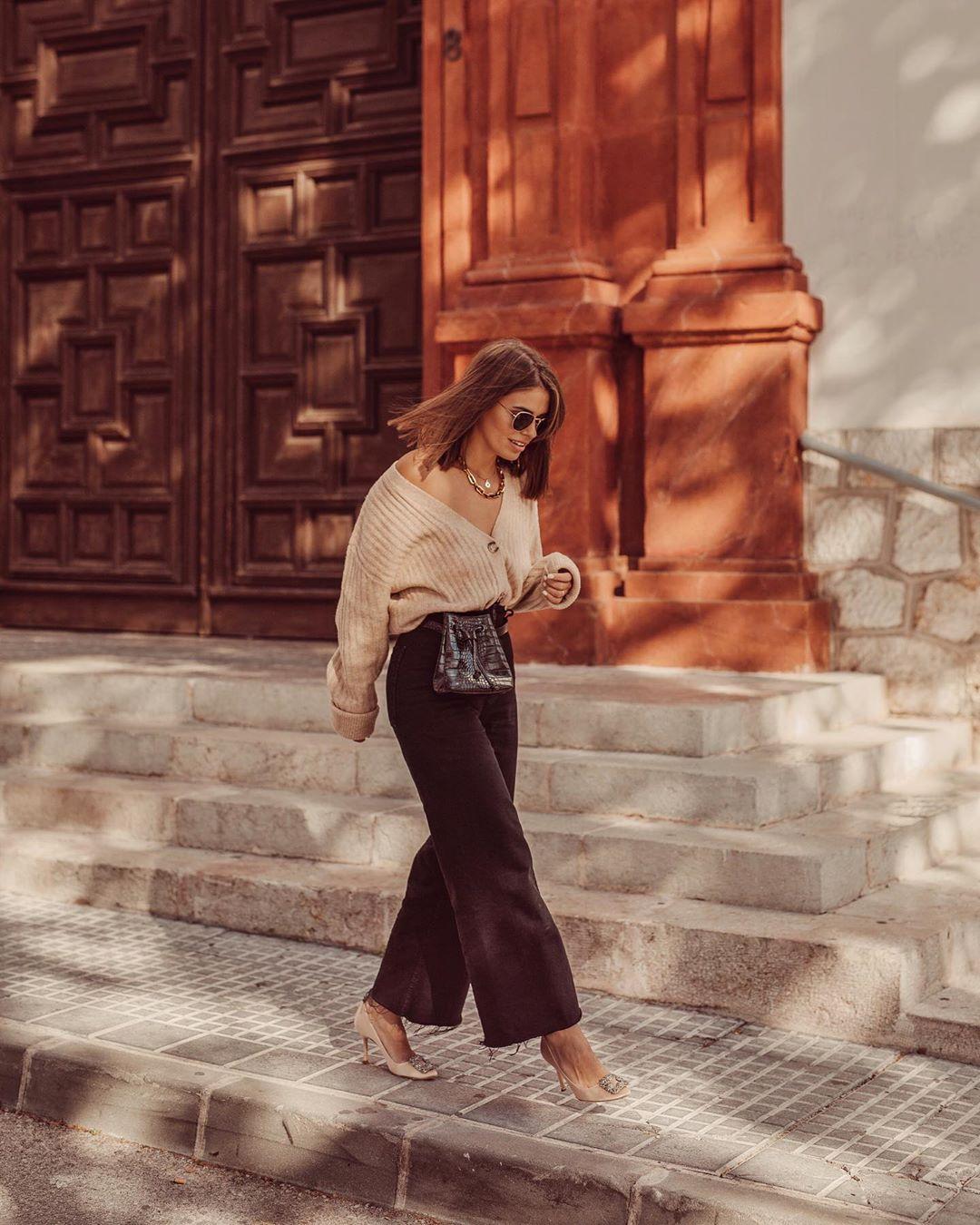 slightly flared high-waisted jeans de Zara sur jessiekass