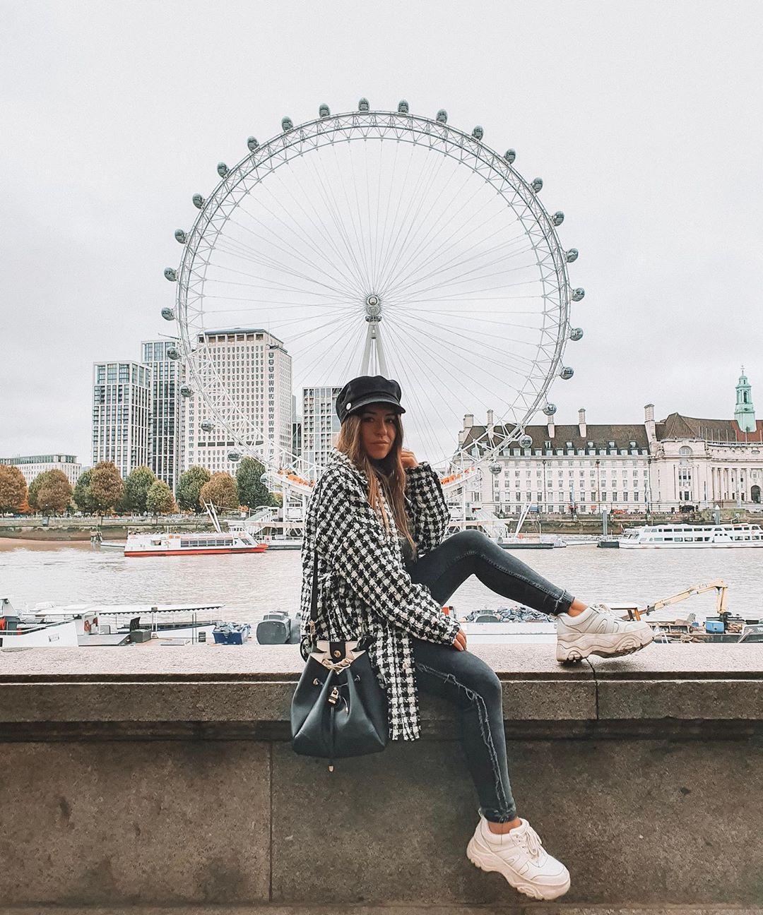 veste en tweed à carreaux de Zara sur lorenagodoy