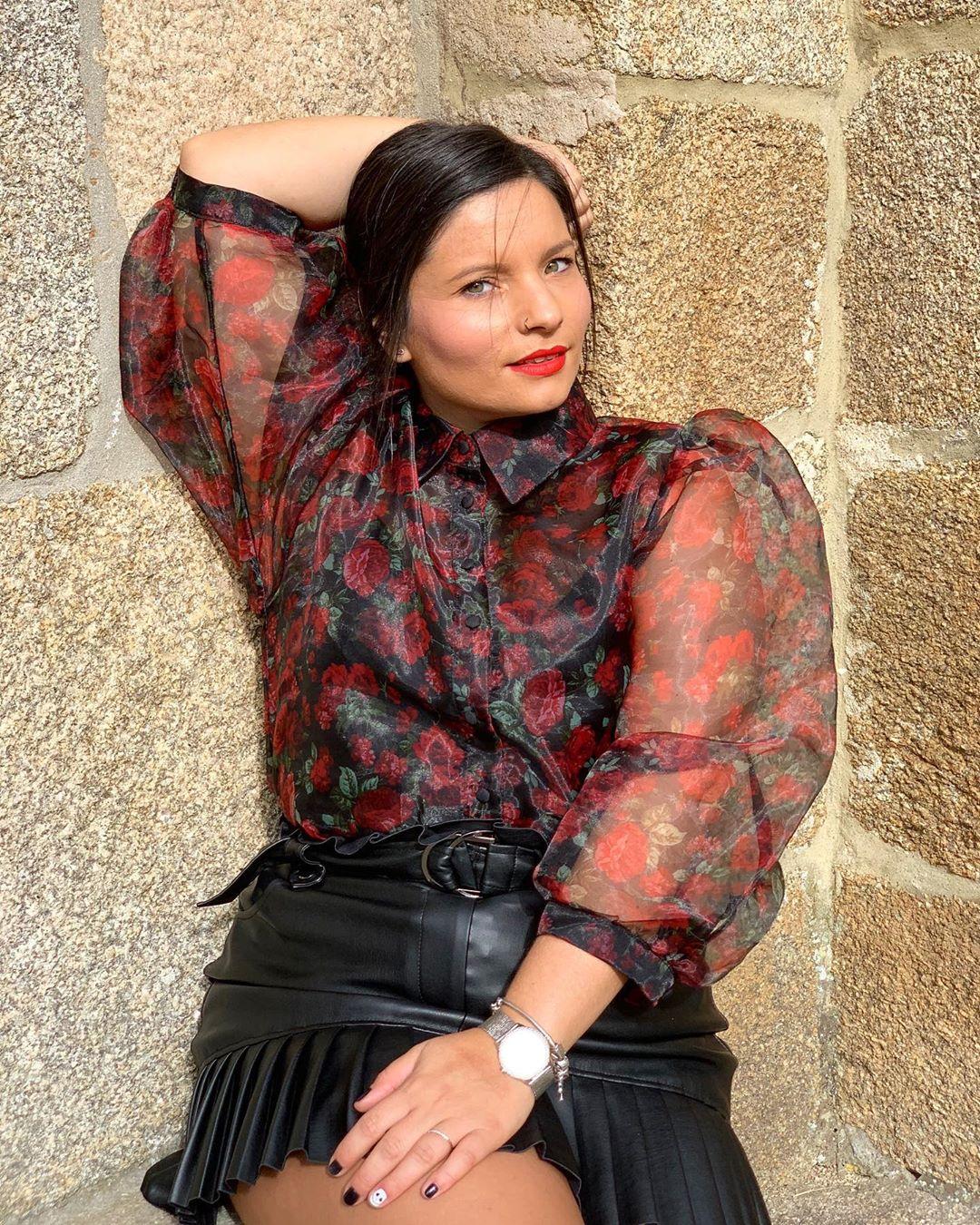 pleated synthetic leather mini skirt de Zara sur taniabimb