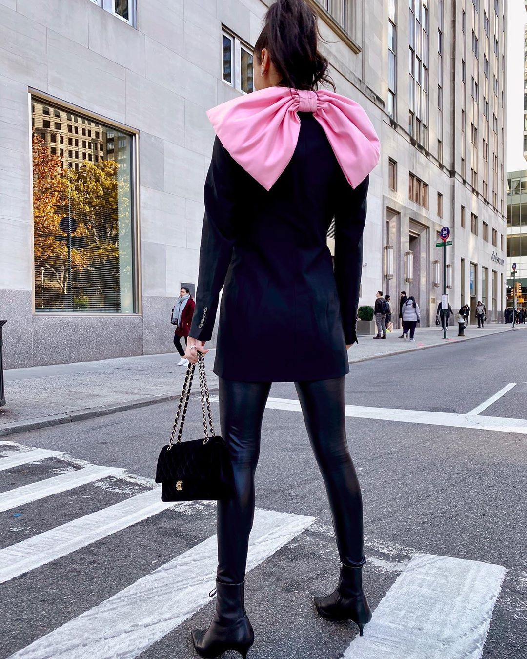 bi-aterial bow dress jacket de Zara sur lindsilanestyle