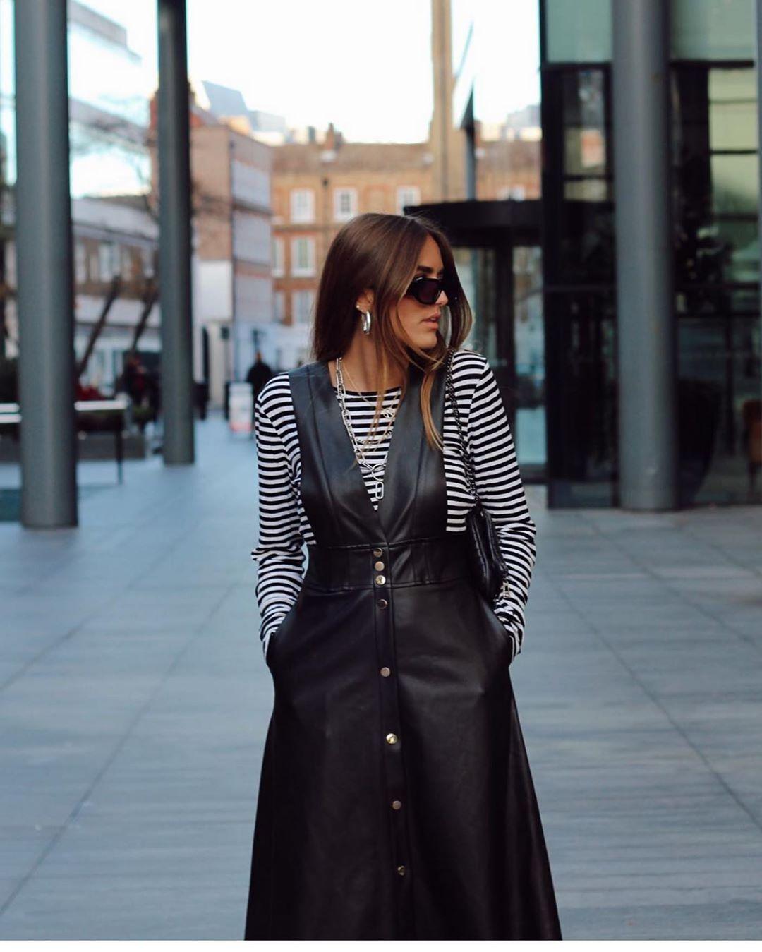 robe-salopette mi-longue à boutons de Zara sur zara.outfits