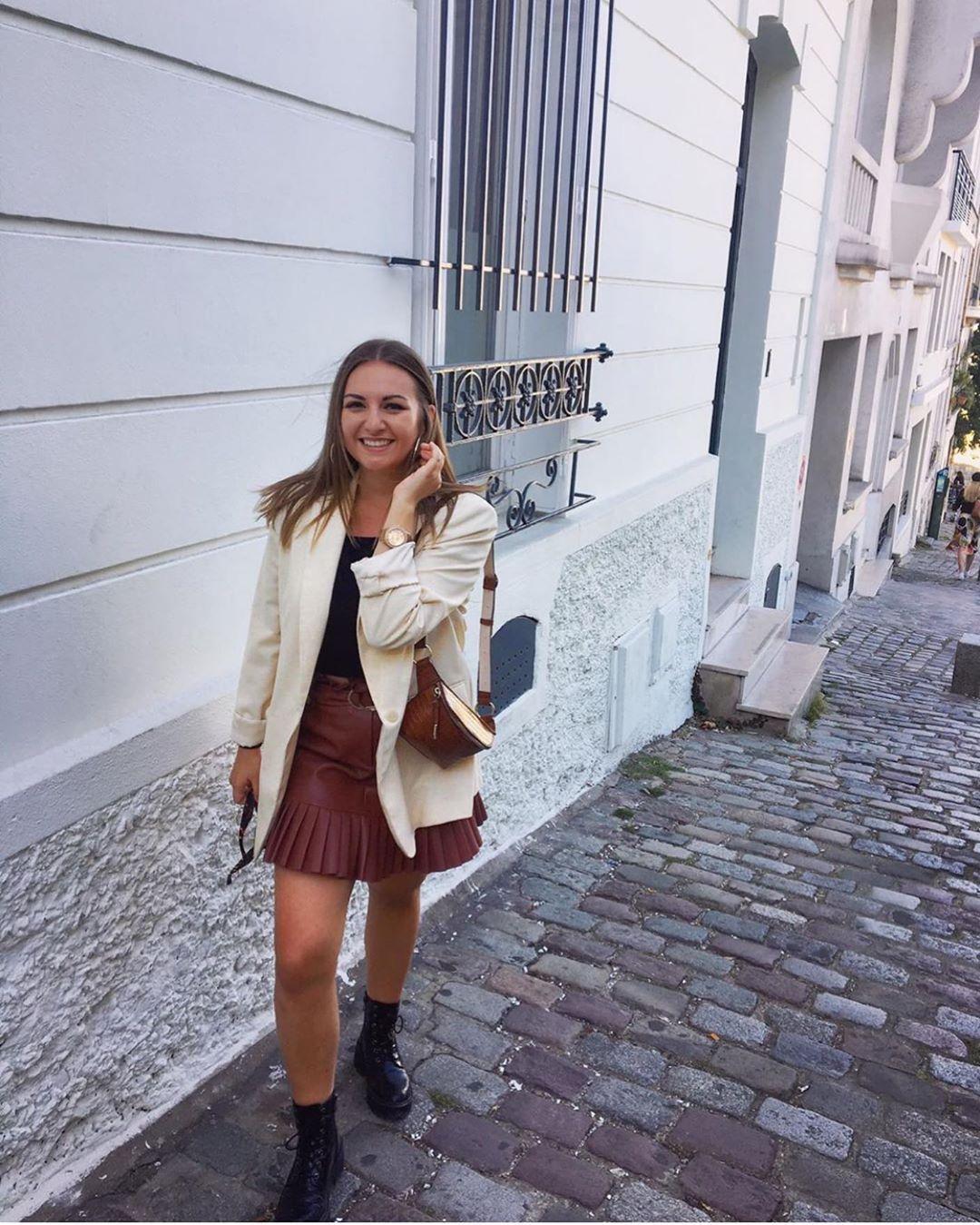 mini-jupe en cuir synthétique plissée de Zara sur zara.outfits