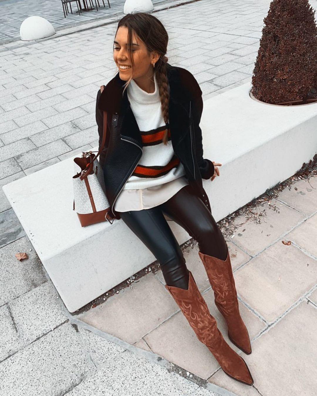 bottes en croûte de cuir à talons cow-boy de Zara sur zara.outfits
