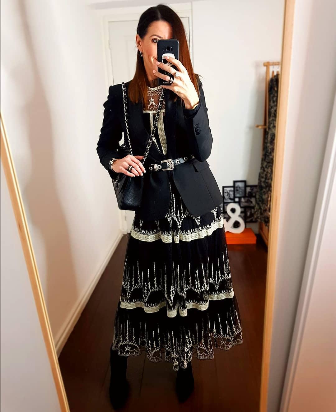 robe en tulle brodée de Zara sur loveluxandco