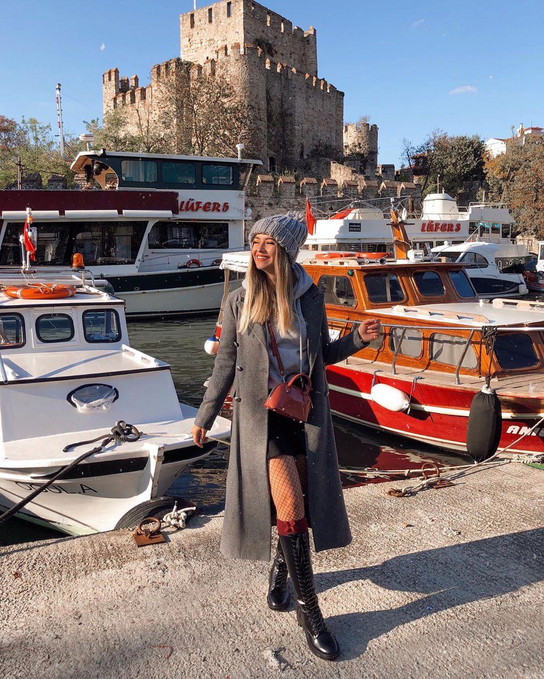 lace-up flat boots de Zara sur stilimist