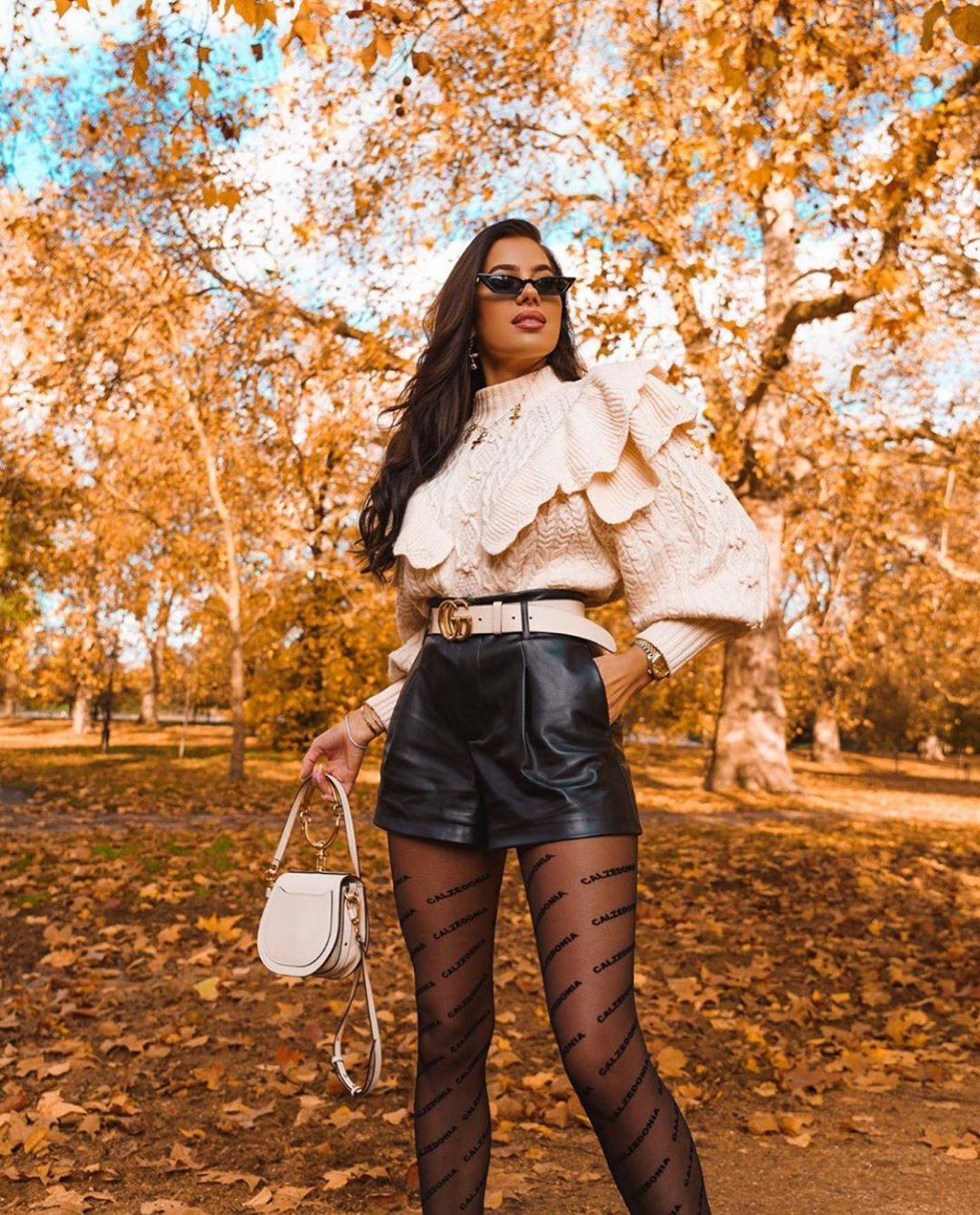 sweater with twists and ruffles de Zara sur zarastreetstyle