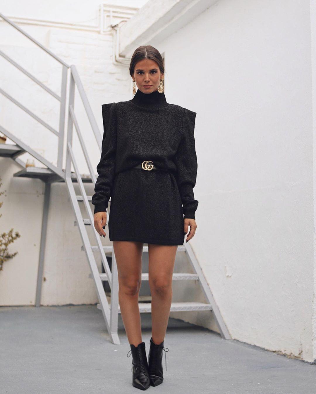 shoulder dress with detail de Zara sur marinamcerezo
