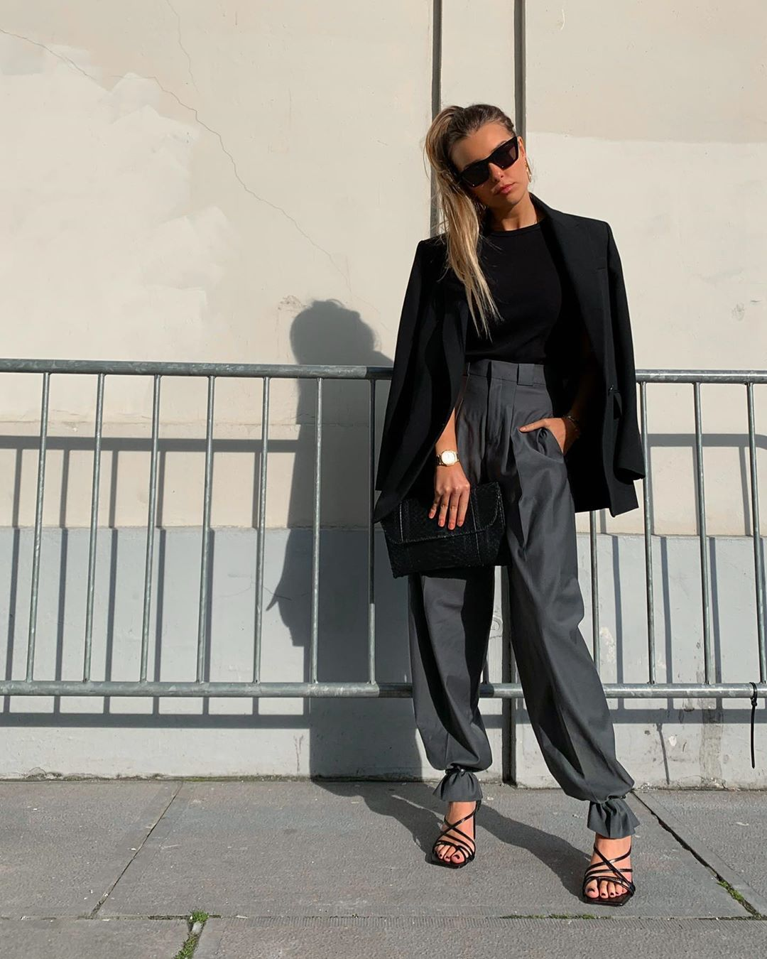 square toe leather heel sandals de Zara sur florenceolette