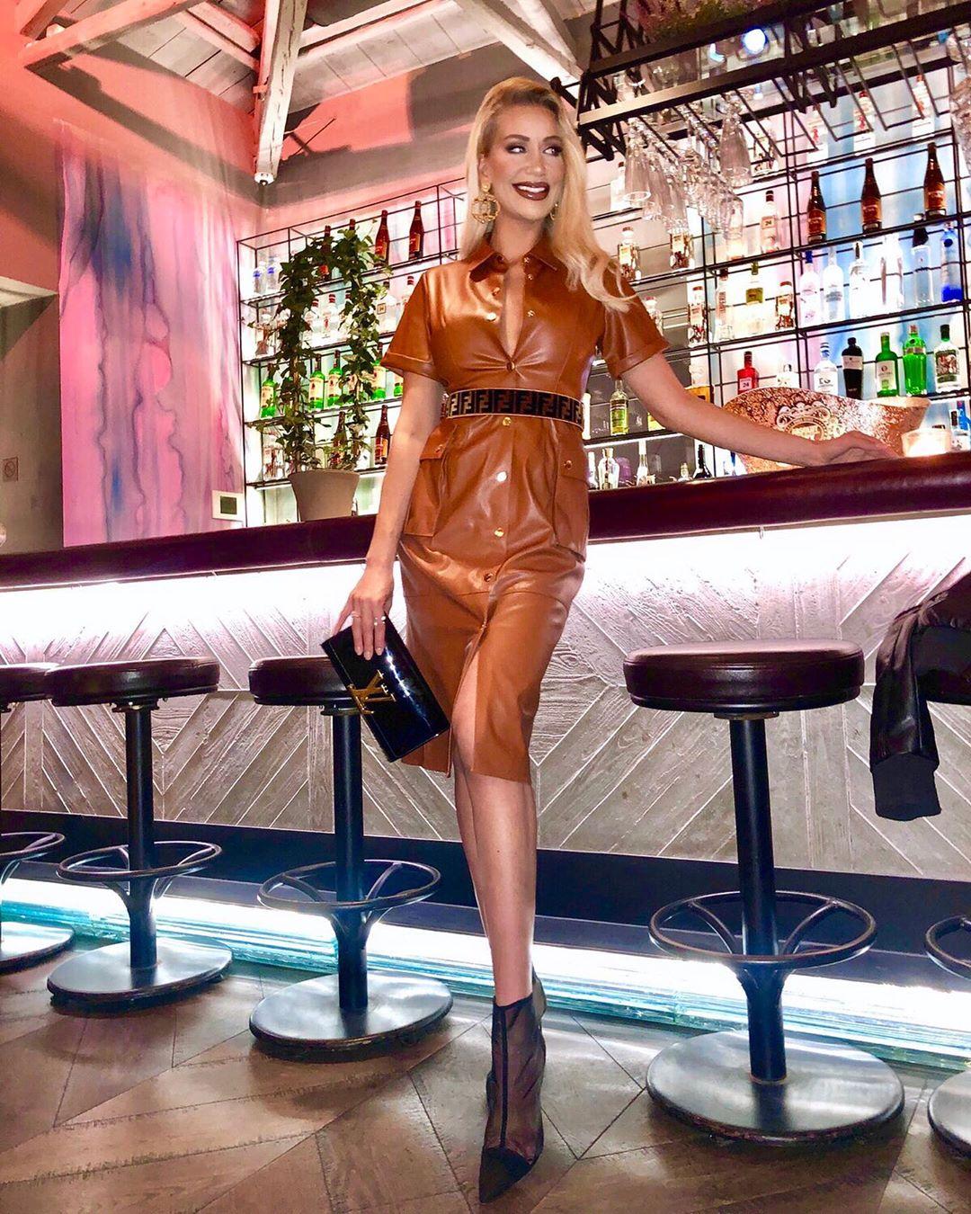 synthetic leather dress de Zara sur laura_michail