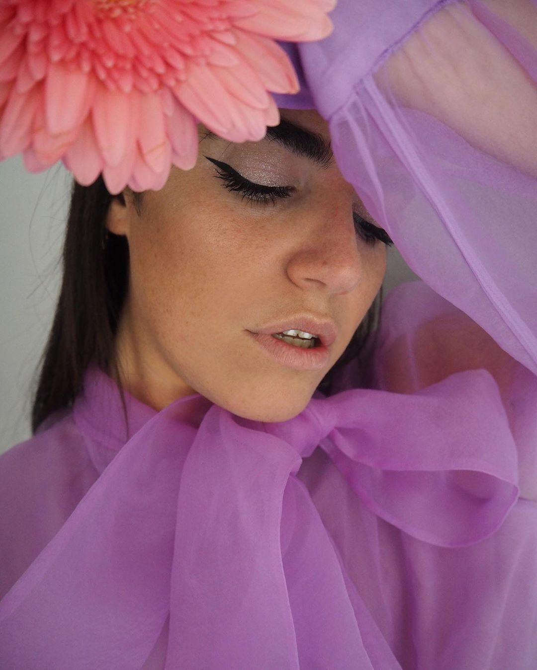 organza blouse with bow de Zara sur carolinabrunelli_