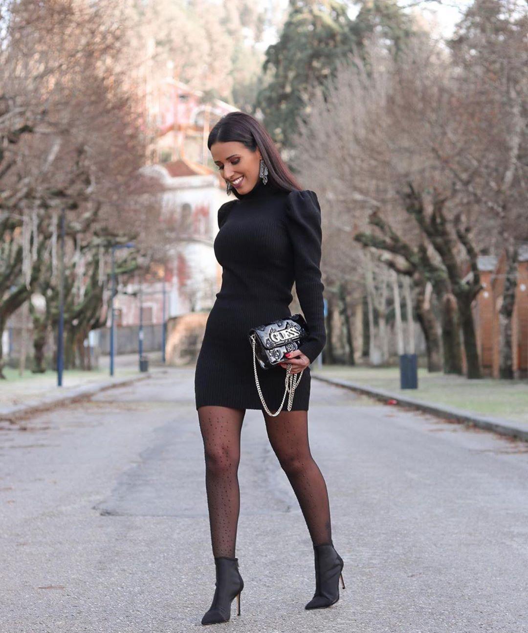 robe à épaules avec détail de Zara sur zara.outfits