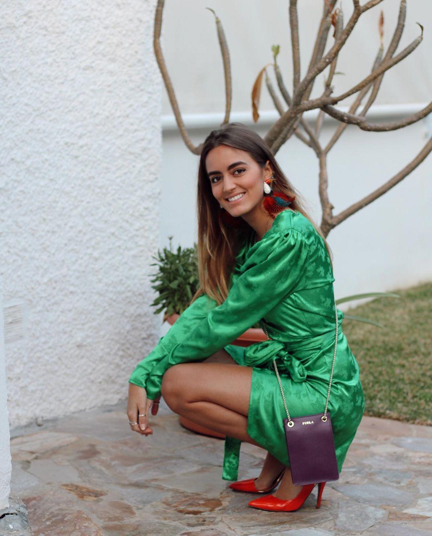 satin wrap dress de Zara sur natichualcantara