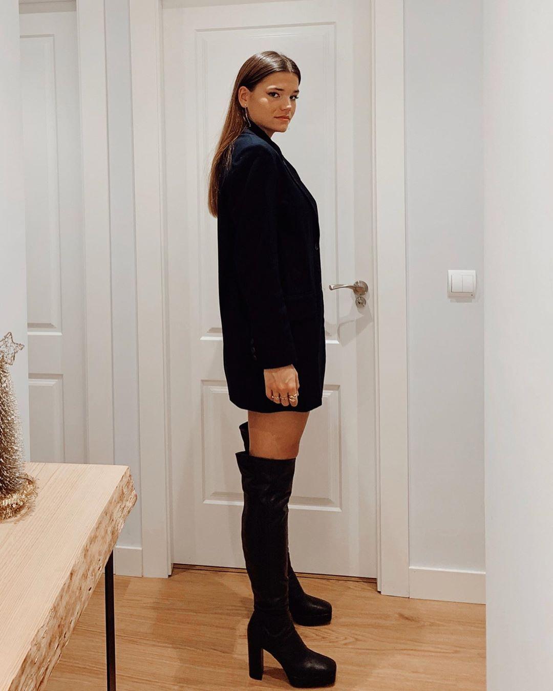 velvet tuxedo jacket de Zara sur sandraandarias