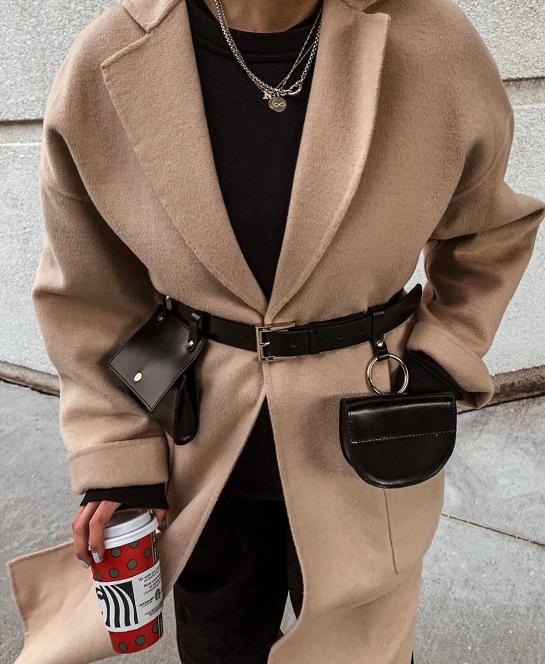 manteau avec poches plaquées de Zara sur zara.mania