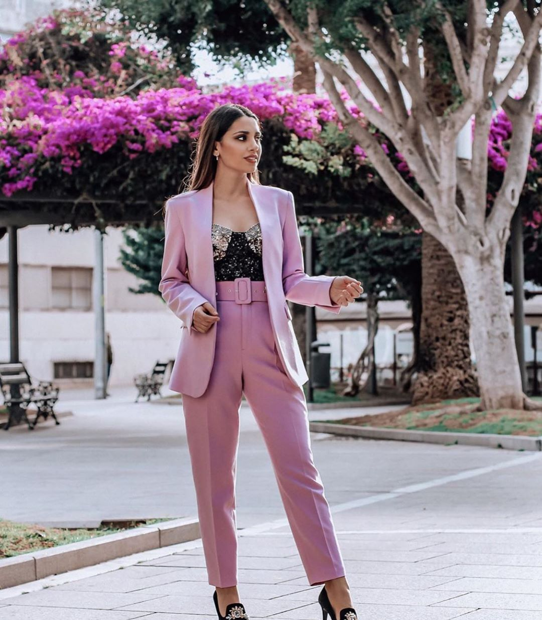 veste avec décolleté en v de Zara sur zara.outfits