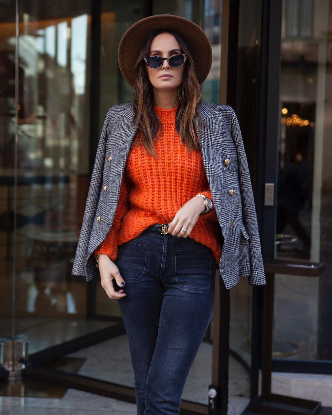 crossbreasted and checkered jacket de Zara sur marysilva.blog