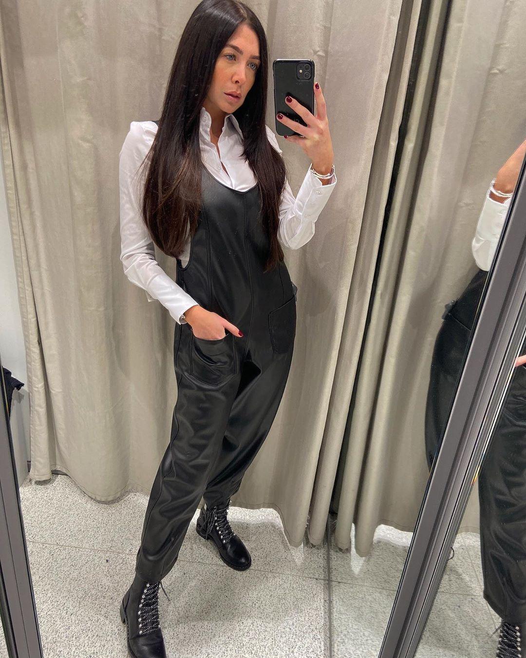faux leather overalls de Zara sur courtbyafeather