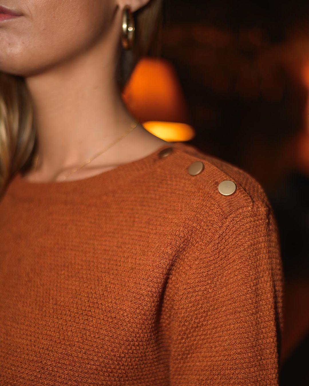 pull bordeaux button de Les Bourgeoises sur lesbourgeoisesofficiel