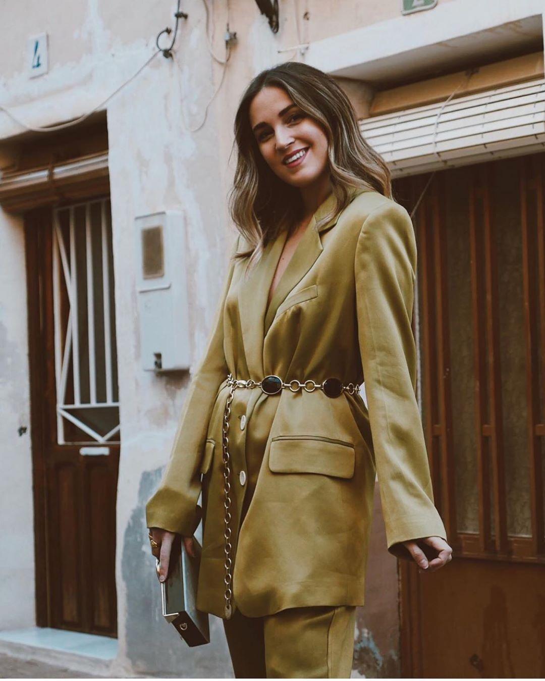 veste satinée avec boutons de Zara sur zara.outfits