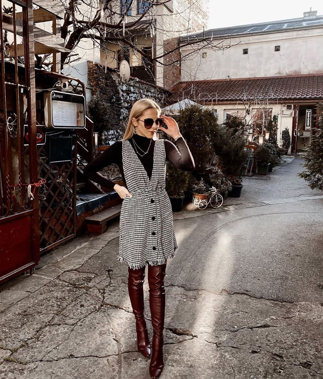robe-salopette en tweed à bretelles de Zara sur zara.mania