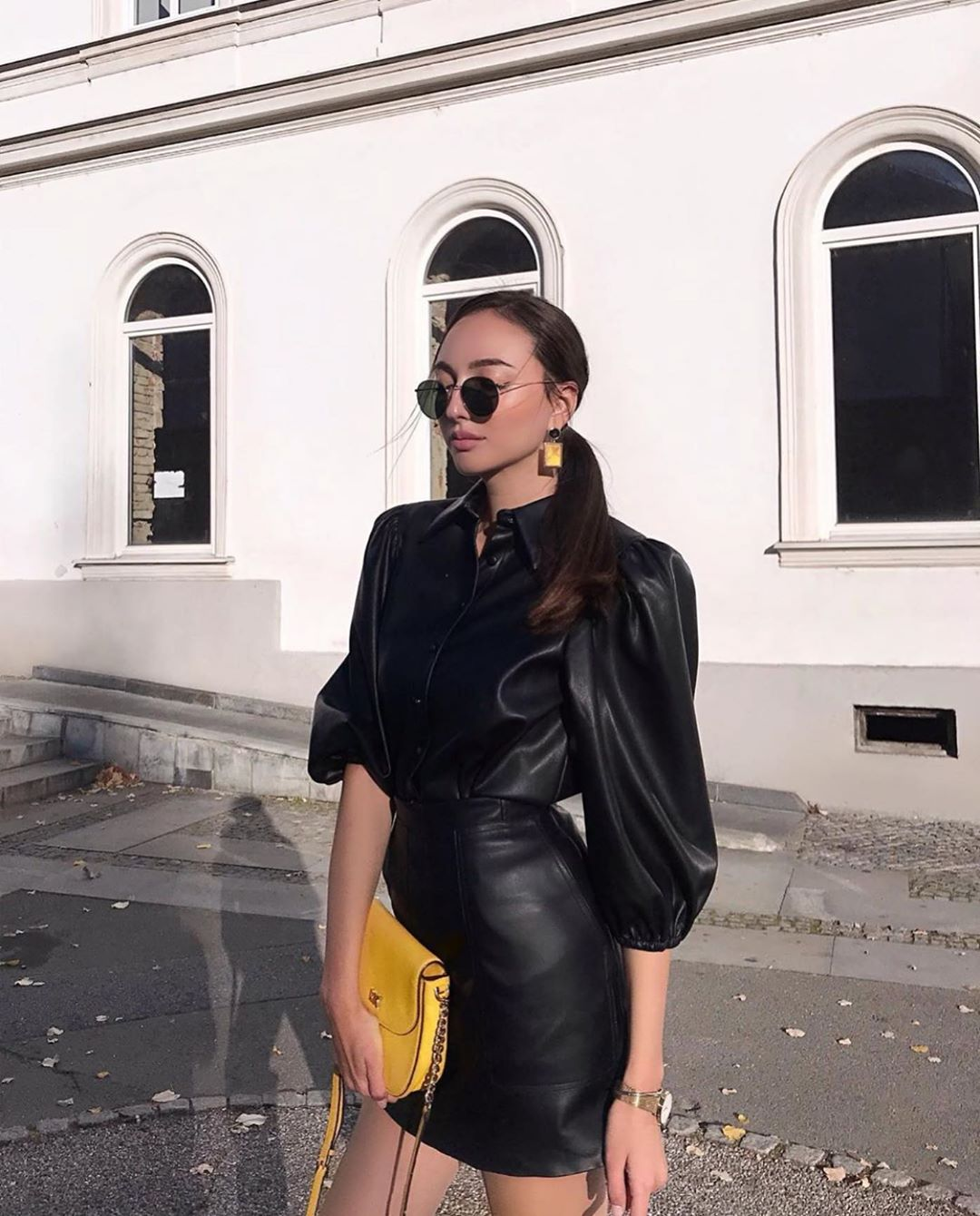 synthetic leather shirt with buttons de Zara sur zarastreetstyle