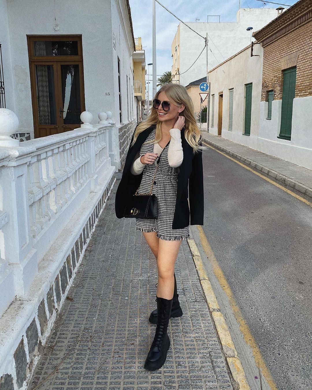 robe-salopette en tweed à bretelles de Zara sur annabelpesant