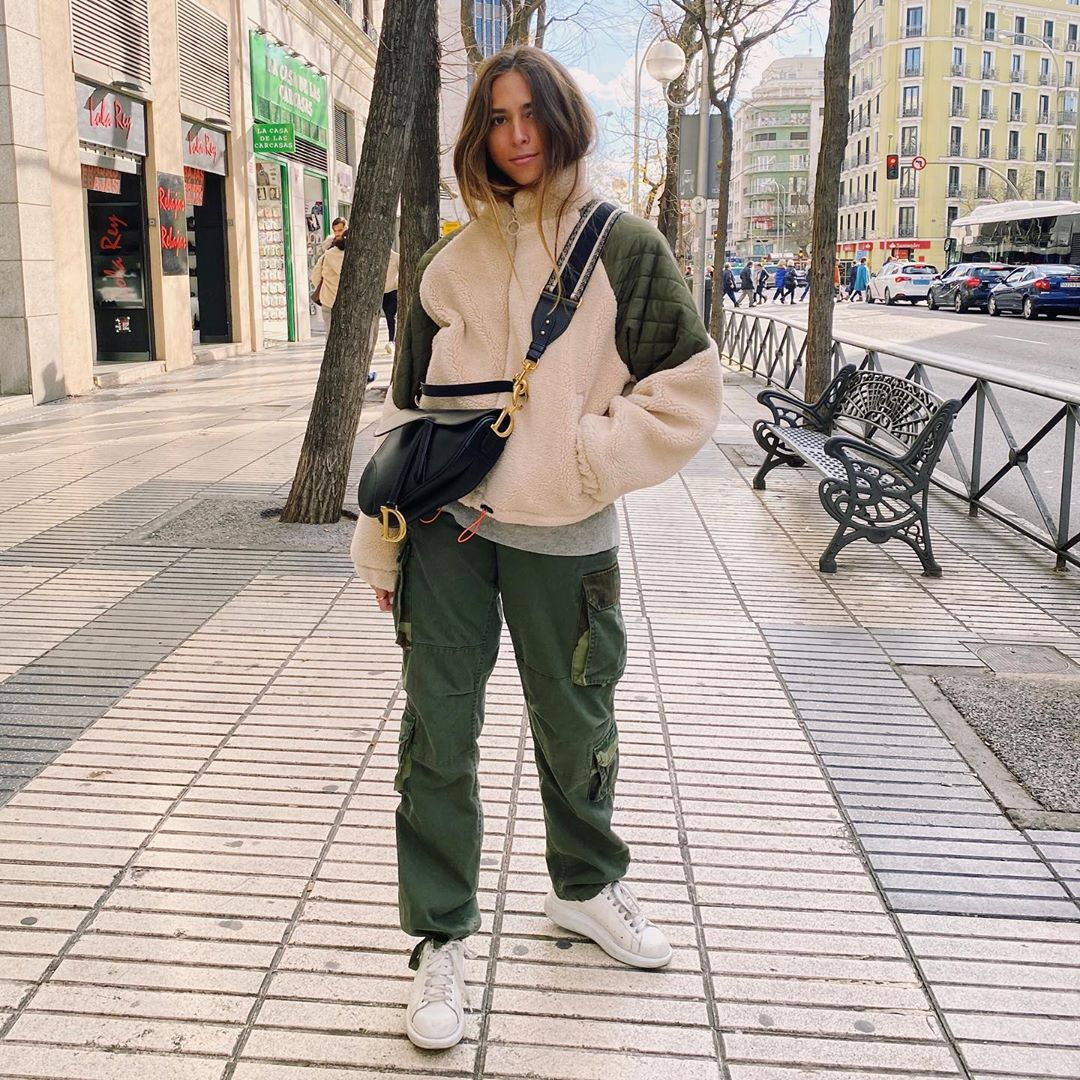 synthetic sheepskin jacket color block contrasting de Pull and Bear sur highfrequency___