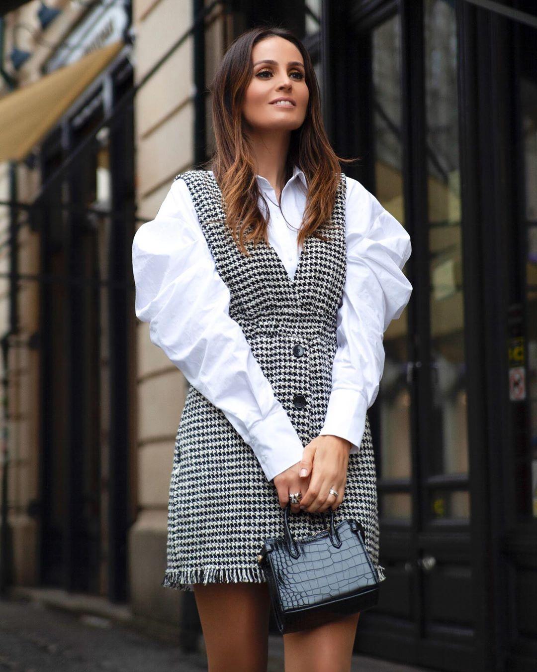tweed bib overalls dress de Zara sur marysilva.blog