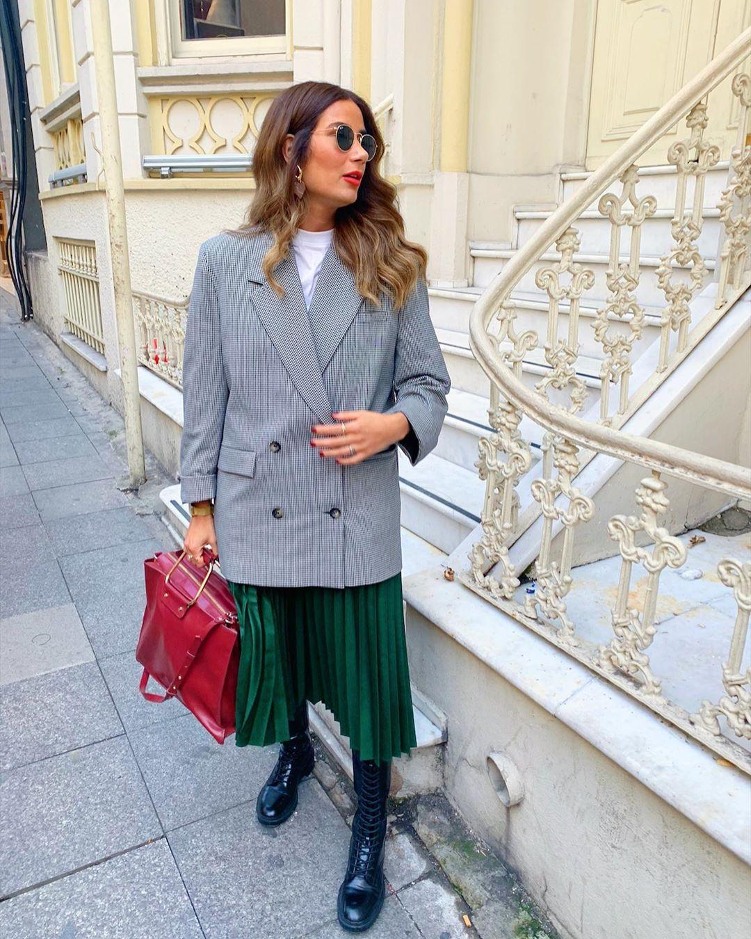 pleated skirt with metallic thread de Zara sur tataass_
