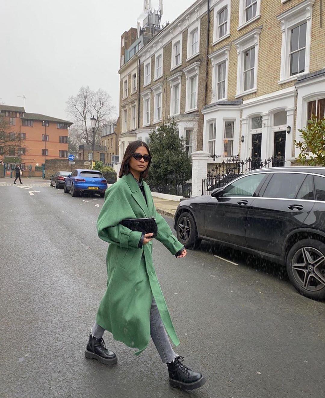 coat with loose sleeves de Zara sur zarastreetstyle