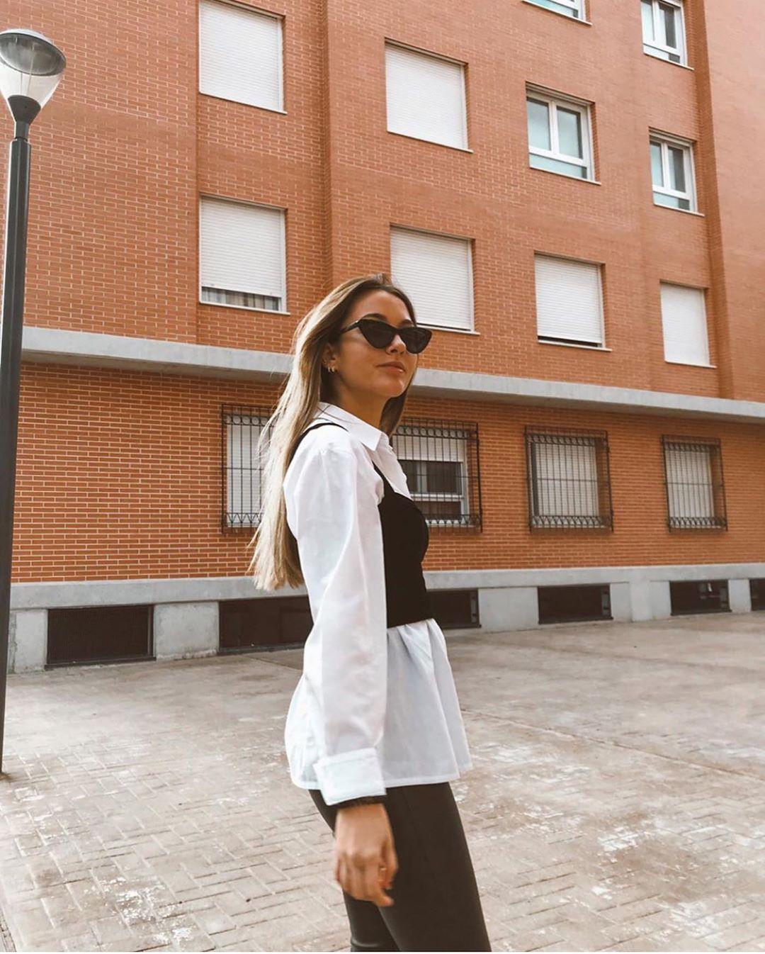 top court à ouvertures de Zara sur zara.outfits