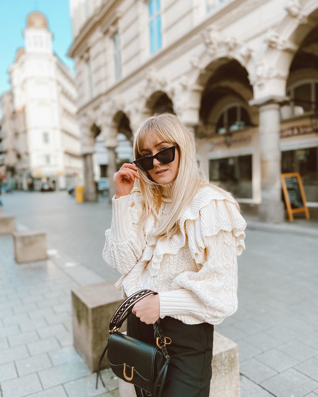 sweater with twists and ruffles de Zara sur finjasophiie sur SCANDALOOK