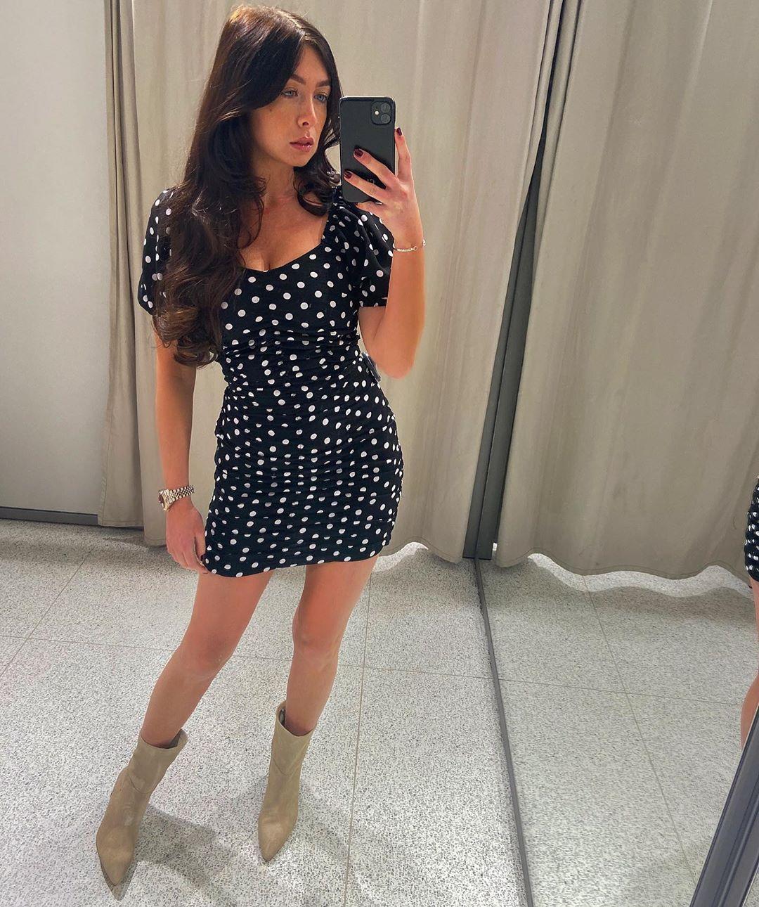 polka dot print dress de Zara sur courtbyafeather