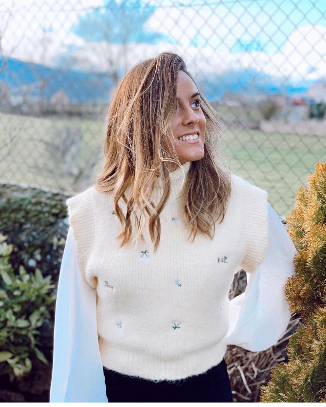 gilet brodé de fleurs de Zara sur zara.outfits