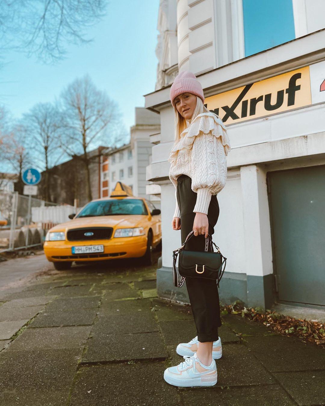 sweater with twists and ruffles de Zara sur finjasophiie