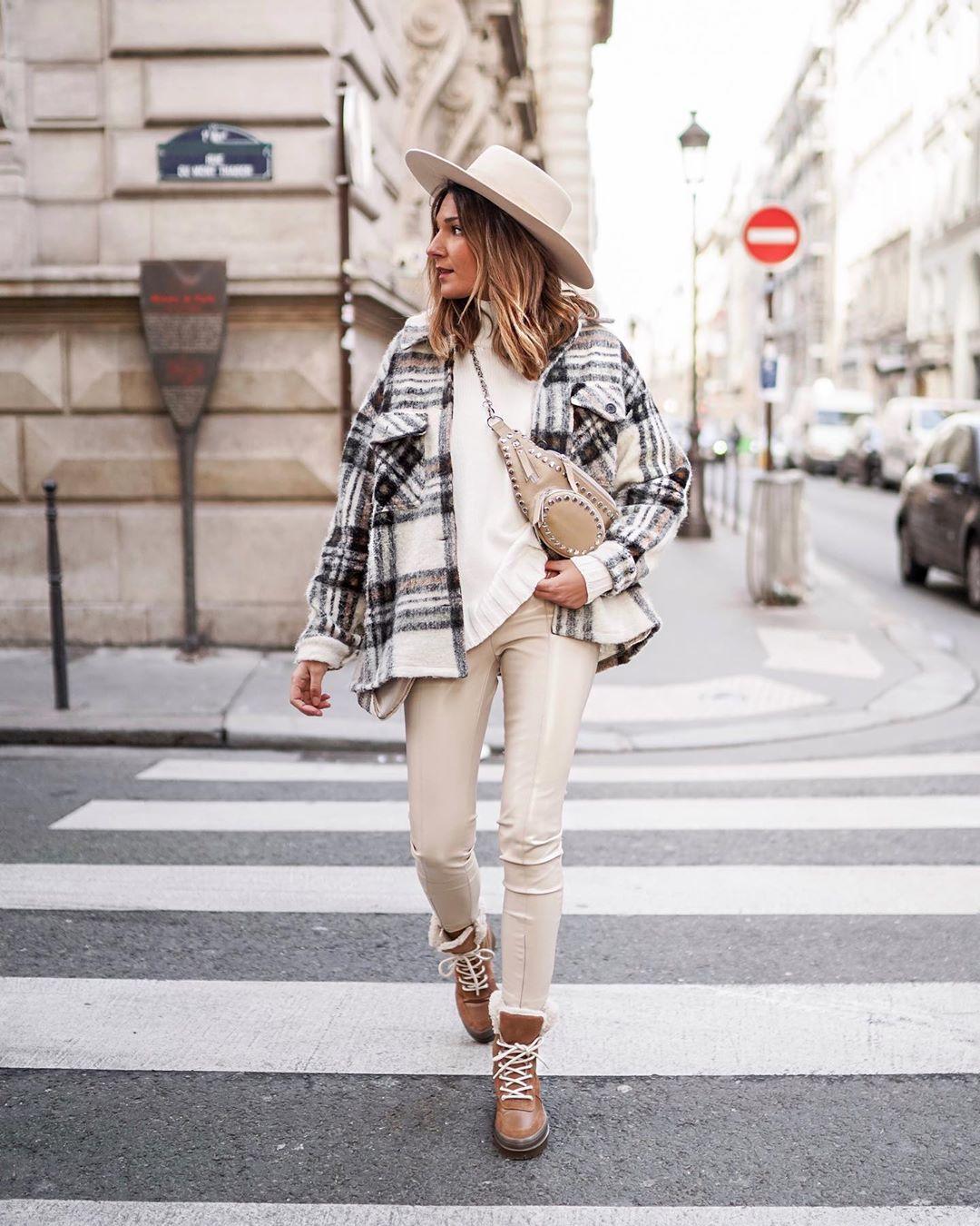 legging en cuir synthétique de Zara sur junesixtyfive