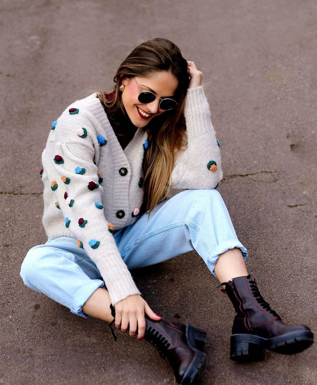 gilet à fleurs en crochet de Zara sur zara.outfits