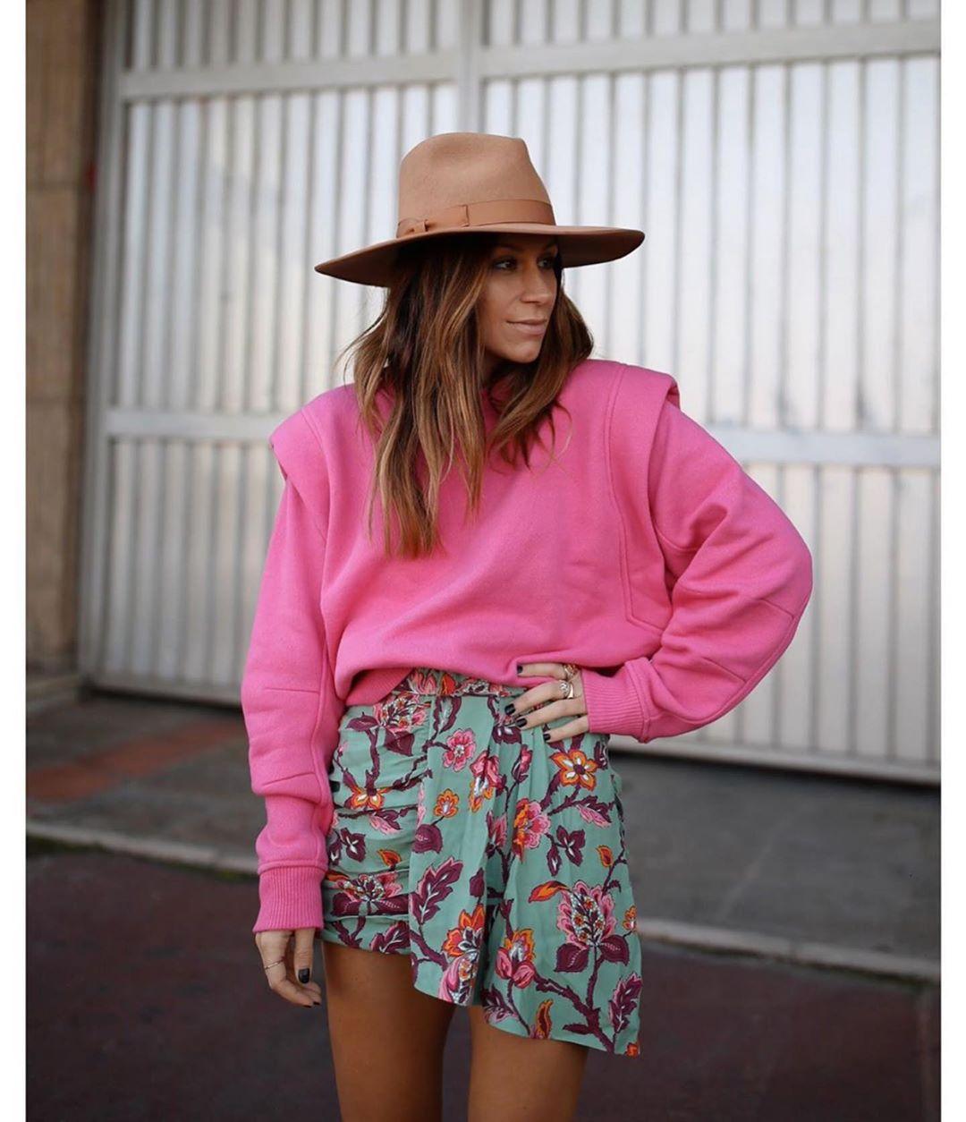 mini jupe drapée à fleurs de Zara sur zara.outfits