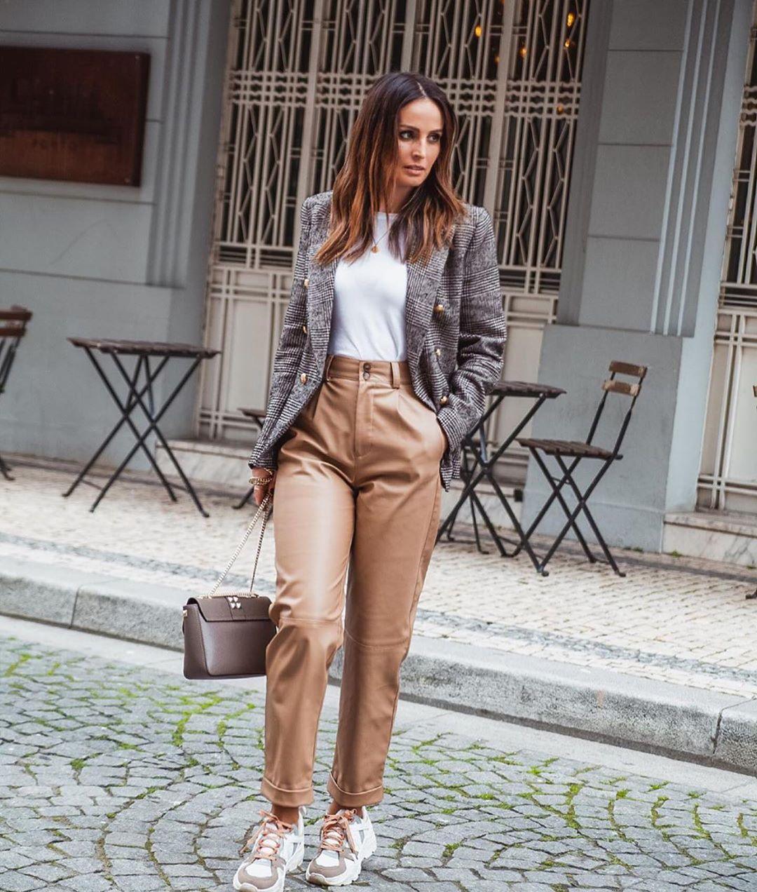 veste à boutonnage croisé et carreaux de Zara sur zara.outfits