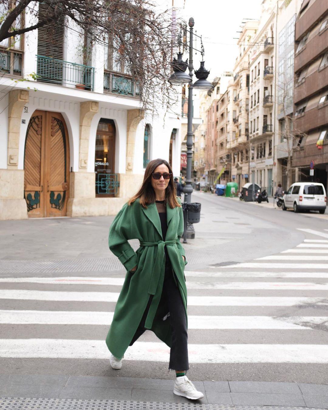 coat with loose sleeves de Zara sur coohuco