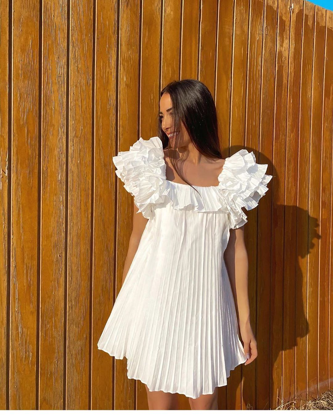 robe plissée à volant de Zara sur zara.outfits