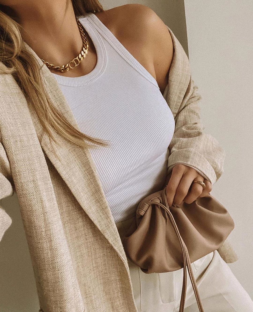 redingote avec laine à bouton de Zara sur zara.outfits