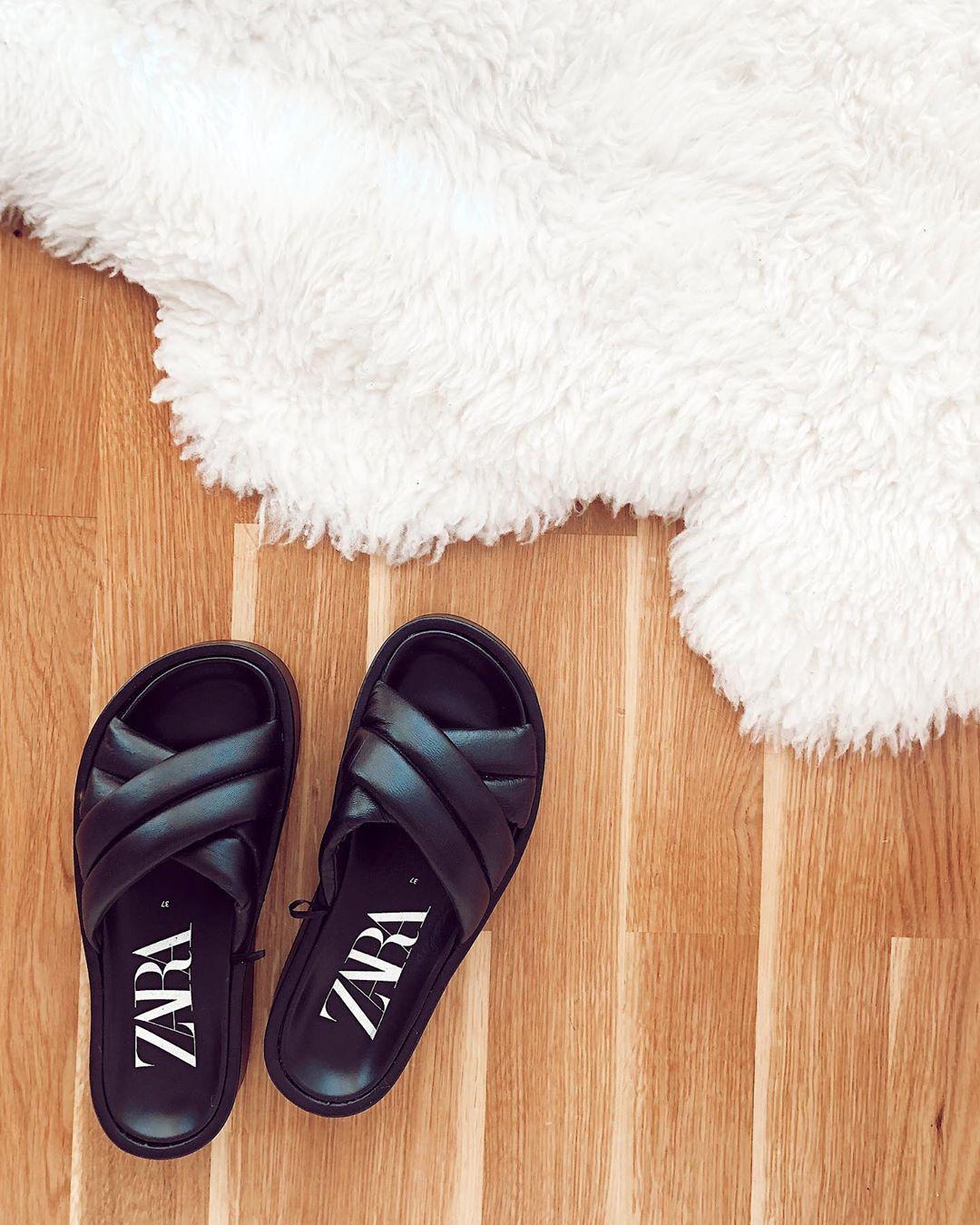 padded flatform leather sandals de Zara sur mariatilve