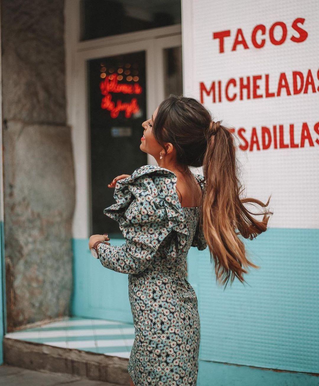 robe à marguerites en popeline de Zara sur zara.outfits